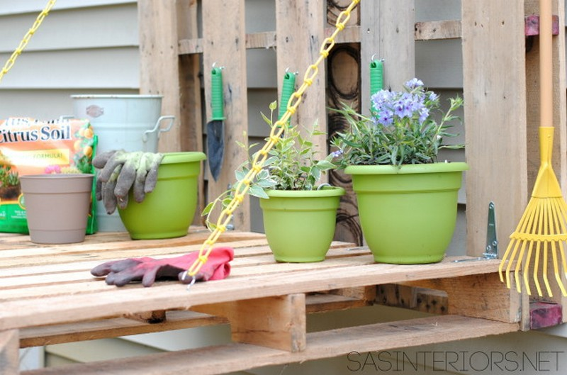 You Can Learn How To Build This Folding Pallet Gardening Bench Here.