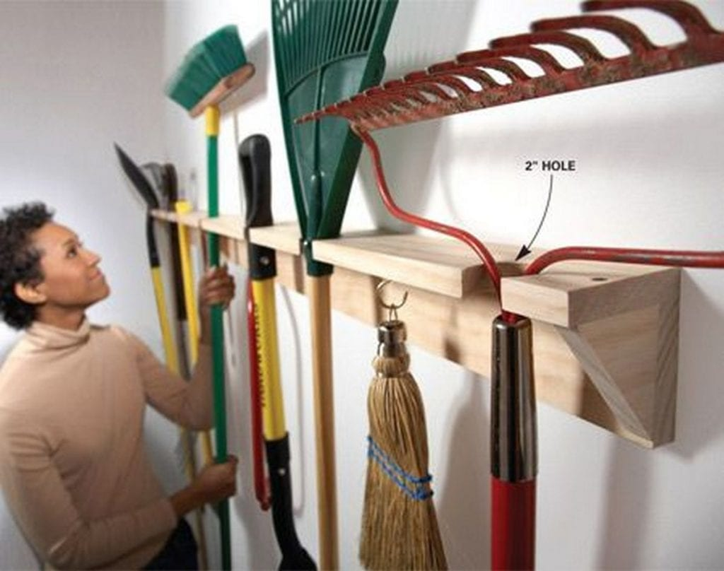 How to Build a Garden Tools Rack