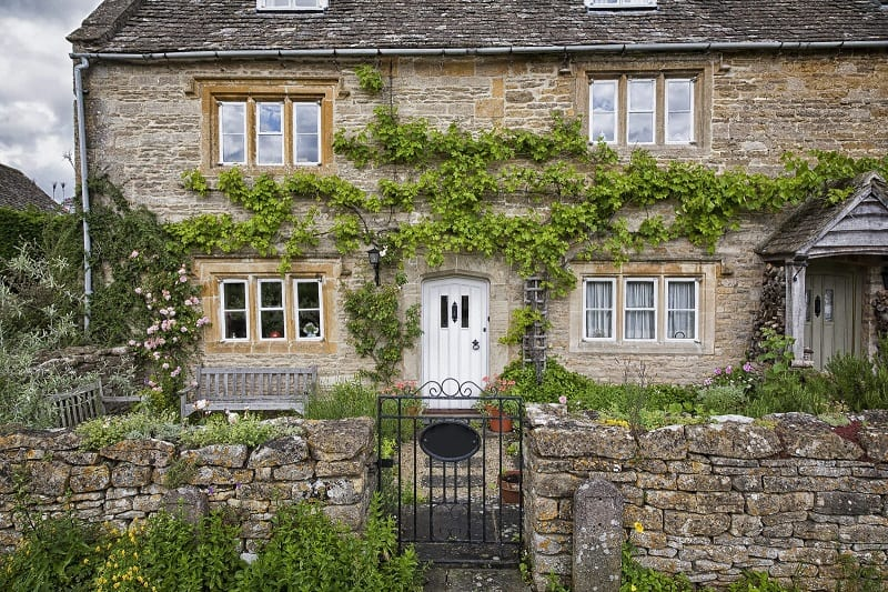 The essential design elements of the English cottage garden probably began to take firm shape in the Middle Ages