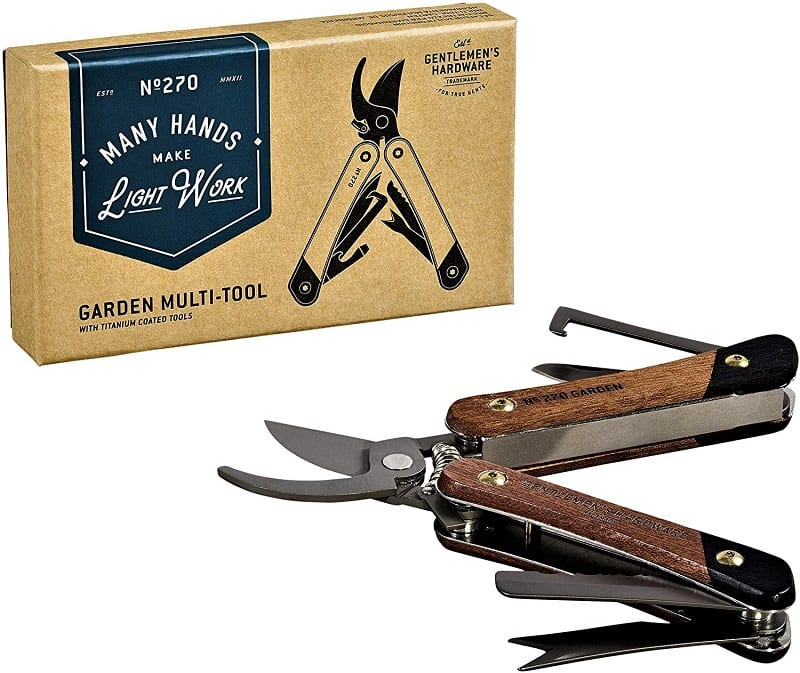With so many things to cut, trim, and prune, organic gardeners often need to lug around all sorts of tools. This can be cumbersome and exhausting. The solution? A sturdy and compact multi-tool like the Gentleman's Hardware 7-in-1 Garden Multi-Tool.