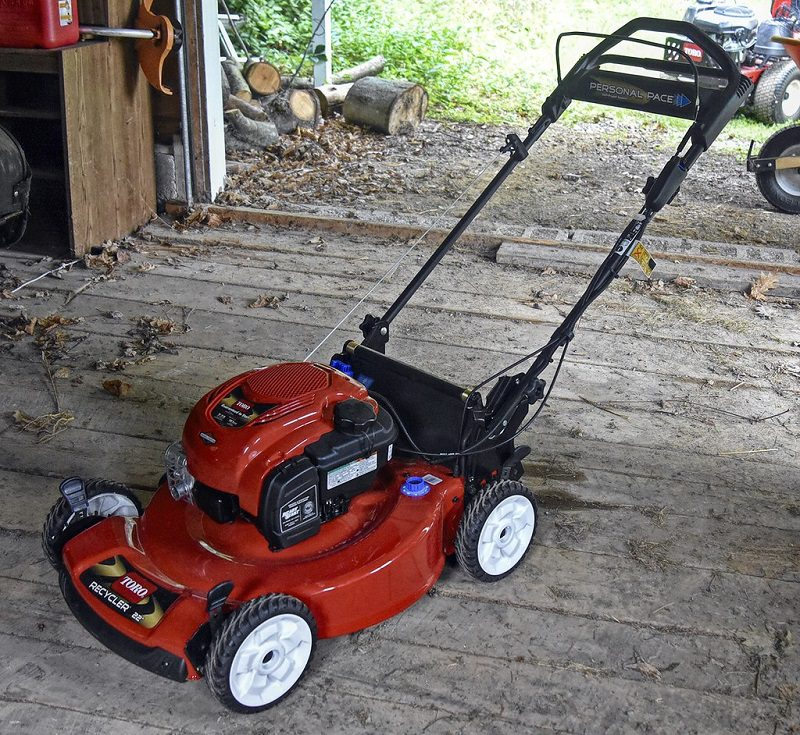 Make sure to turn the throttle off and disconnect the spark plug before cleaning the deck. Read your mower's maintenance guide carefully before undertaking maintenance procedures.